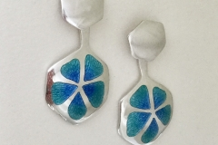 8 Blue clover earrings.